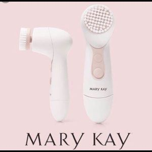NWT Mary Kay Cleansing Brush